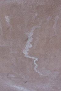 Vlekken en kalkstrepen moeten beoordeeld worden op een afstand van vijf meter. Haaks op het vlak en bij diffuus licht.