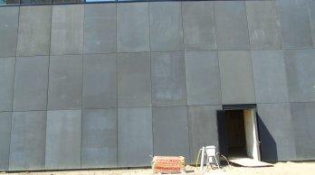 Het uitwisselen van betonpanelen kan een visueel harmonieuzer resultaat opleveren.