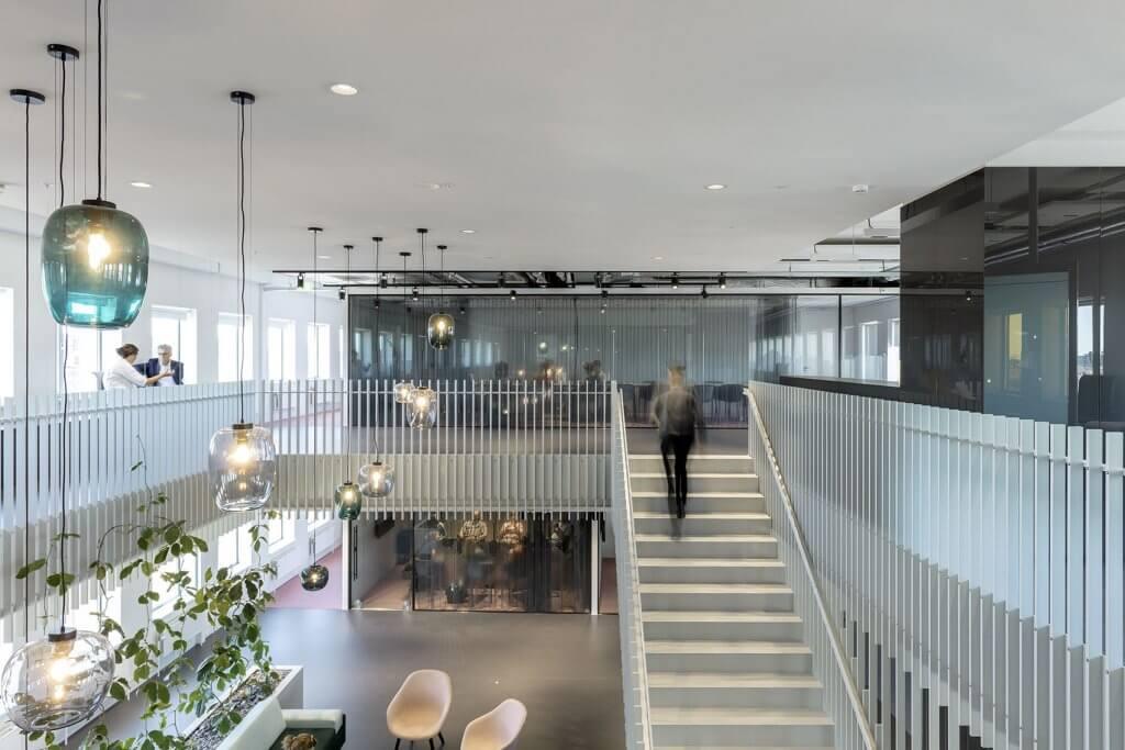 Interieur trap Stadskantoor Alkmaar copyright Marcel van der Burg