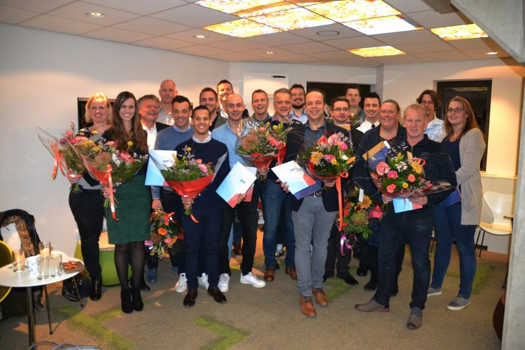 Studenten ontvangen diploma Fire Safety Engineering & Management