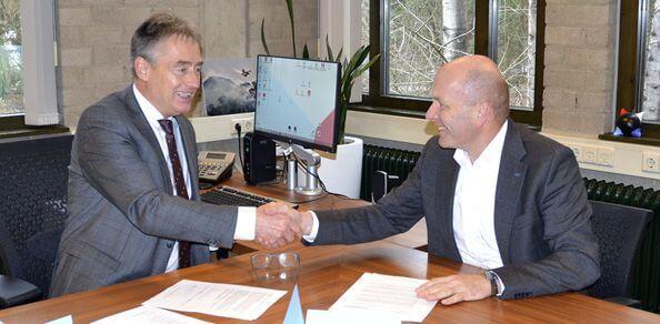 Ondertekening convenant door Wim Beckmann (IFV) en Ad van der AA (SKB)