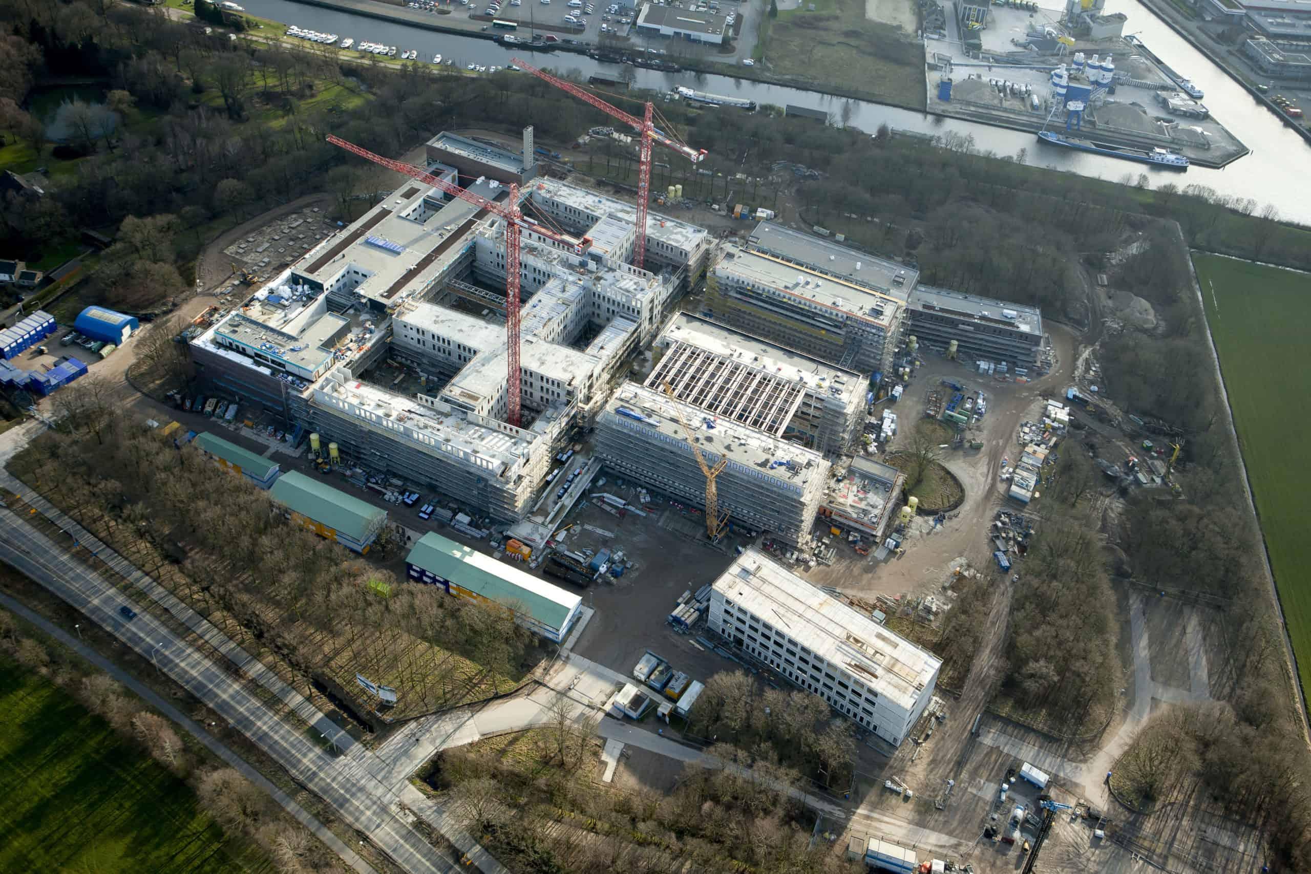 Luchtfoto-4-Meander-Ziekenhuis-©-Ballast-Nedam-3-scaled