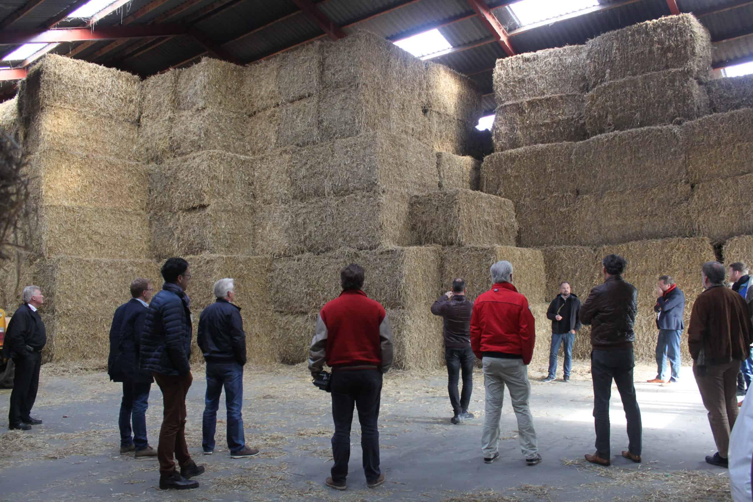 Samsø bezoek voorraadschuur stro-biomassa met seizoensvoorraad